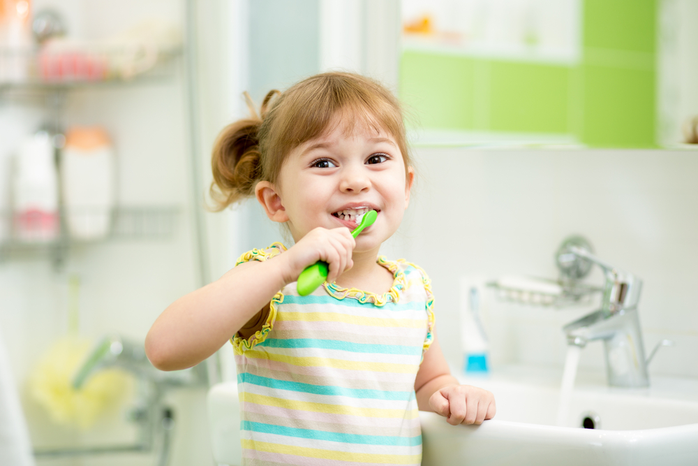 child_brushing_teeth